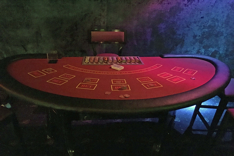 Casino stud poker table hire